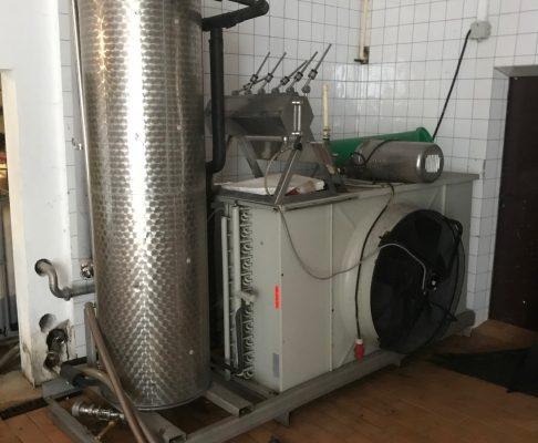 Kratzkühler Fa. Gasser, gebraucht, mit Kühlgerät als eine Einheit