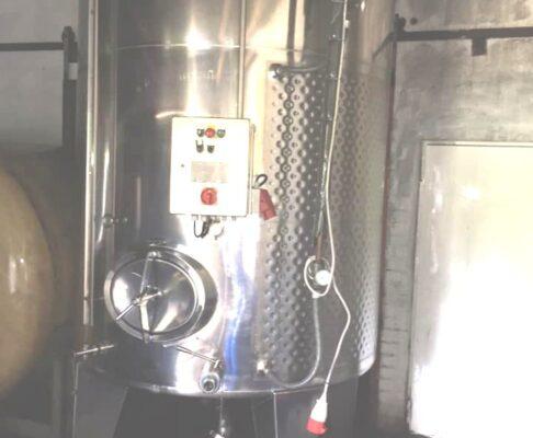 1x 5.000 ltr. VA Maischegärtank Becker, rund stehend, gebraucht, mit passender Pumpe